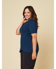 Women's Seek No Further Plus Size ¾ Sleeve Scooped Neck Ruched Top Navy Nights